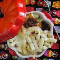 Easy Peasy Homemade Mac N Cheese | EvinOK
