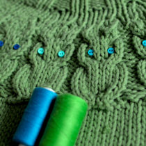 Choosing buttons for my OWLS sweater by Kate Davies   EvinOK