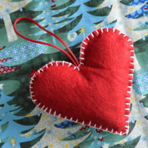 Handmade Felt Heart Christmas Tree Ornament | EvinOK