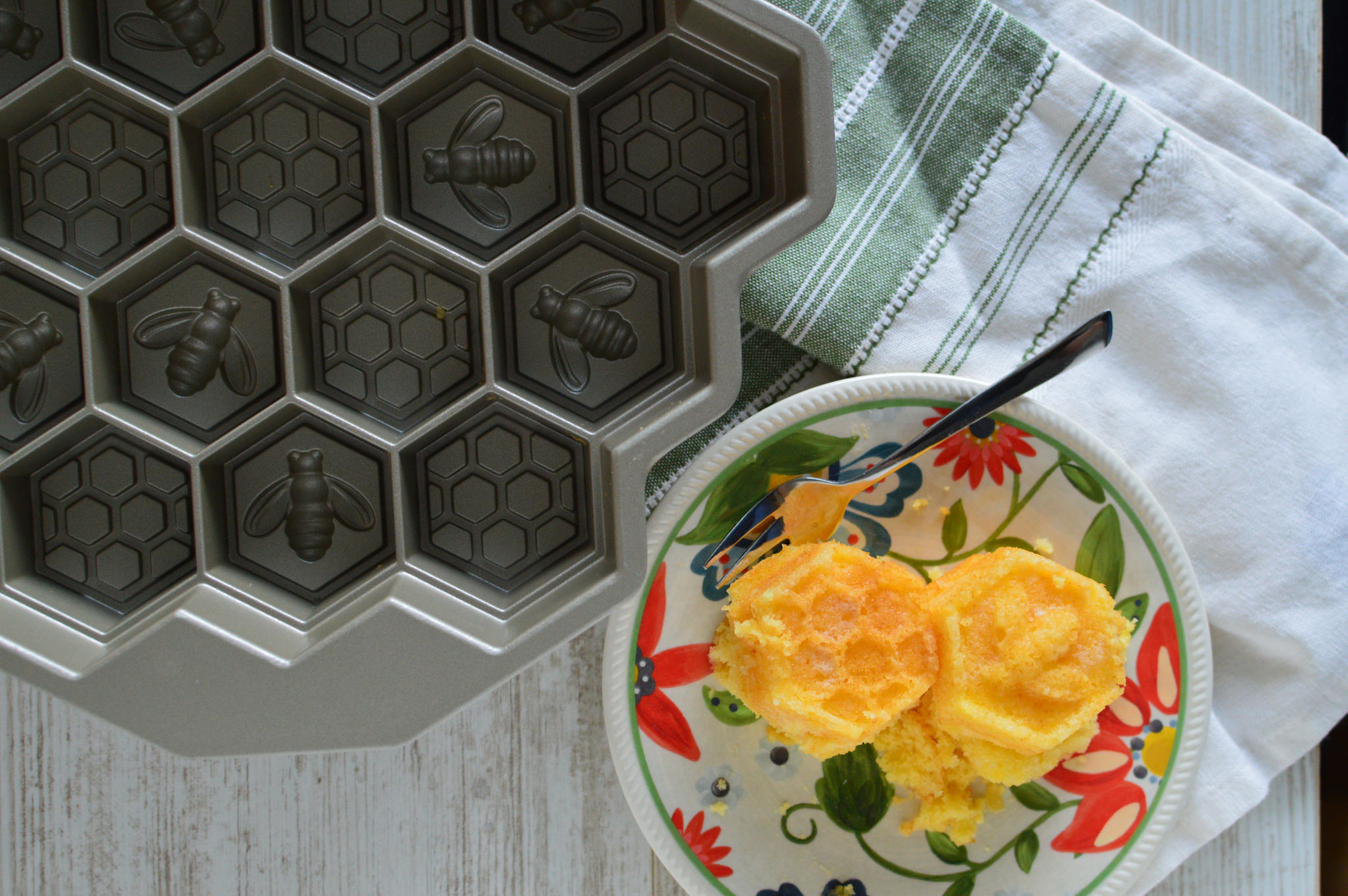 Jamie Oliver Nan S Lemon Drizzle Cake Recipe: Lemon Cake In My Honeycomb Cake Pan