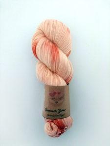 octobre rose madder naturally hand dyed yarn ireland 4 ply ireland laine fingering teinte main irlande teinture végétale naturelle (3)