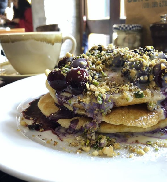 Cherry Pistachio Pancakes at Ali's Kitchen of Cork city | EvinOK