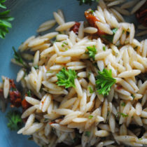 Sun-dried Tomato and Herbs Orzo Salad | EvinOK