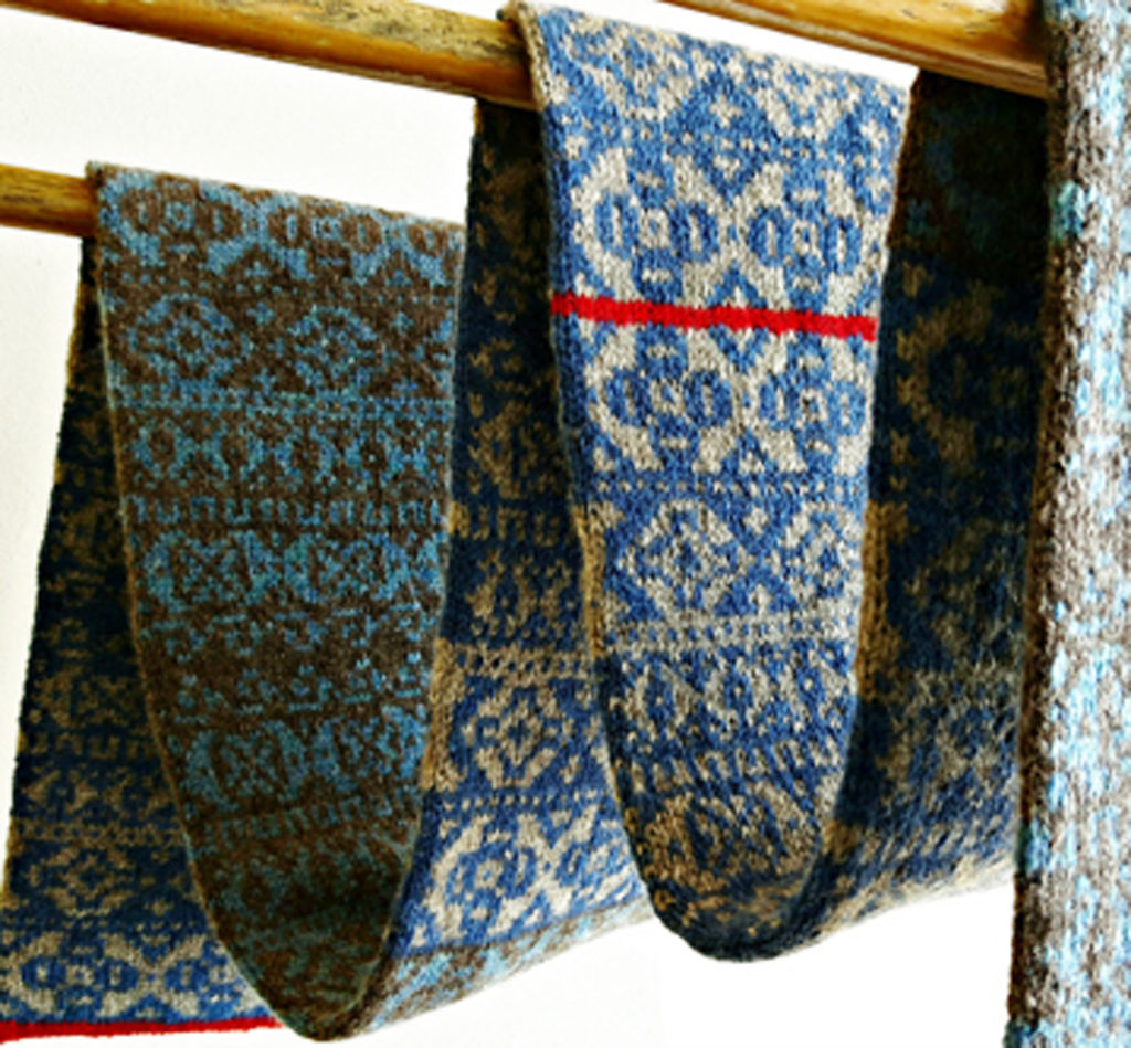 5 Fair Isle Patterned Scarf Photo 2